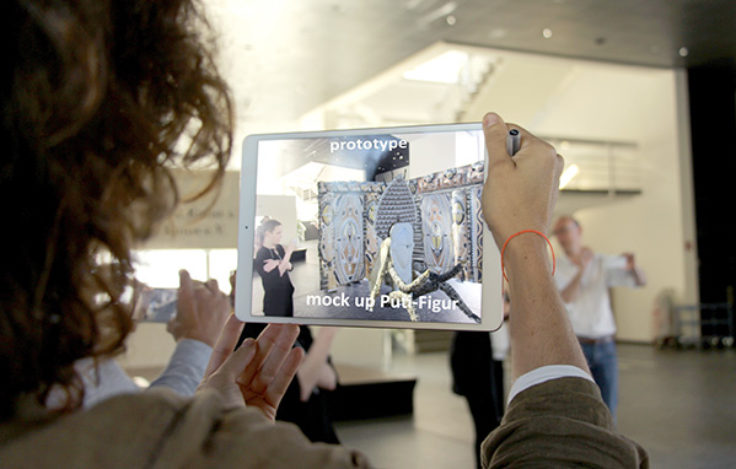 User testing with an augmented reality prototype for interpersonal and interactive guided tours for groups. © Stiftung Preußischer Kulturbesitz