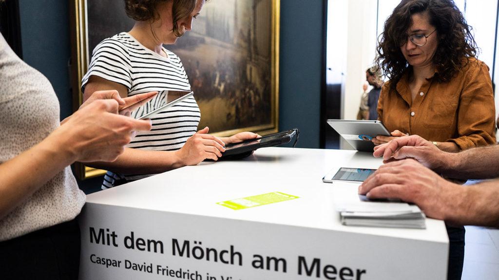 Quantitative Befragung während des laufenden Betriebs, Foto: Staatliche Museen zu Berlin / Ceren Topcu, CC BY 4.0, Video: Staatliche Museen zu Berlin / produziert von Retina Fabrik, CC BY 4.0