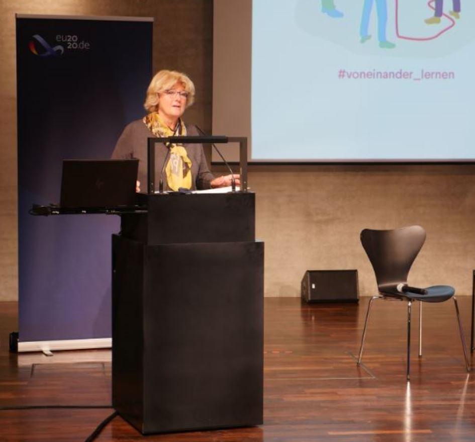 Staatsministerin Monika Grütters begrüßt auf der Digitalen Konferenz