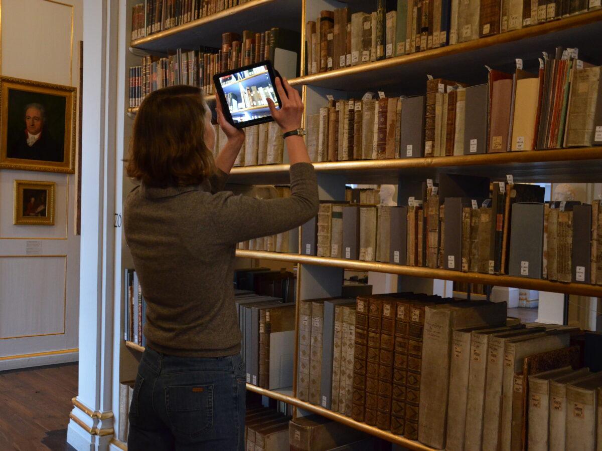 AR-Vermittlung im Rokokosaal und auf den Spuren des digitalen Publikums